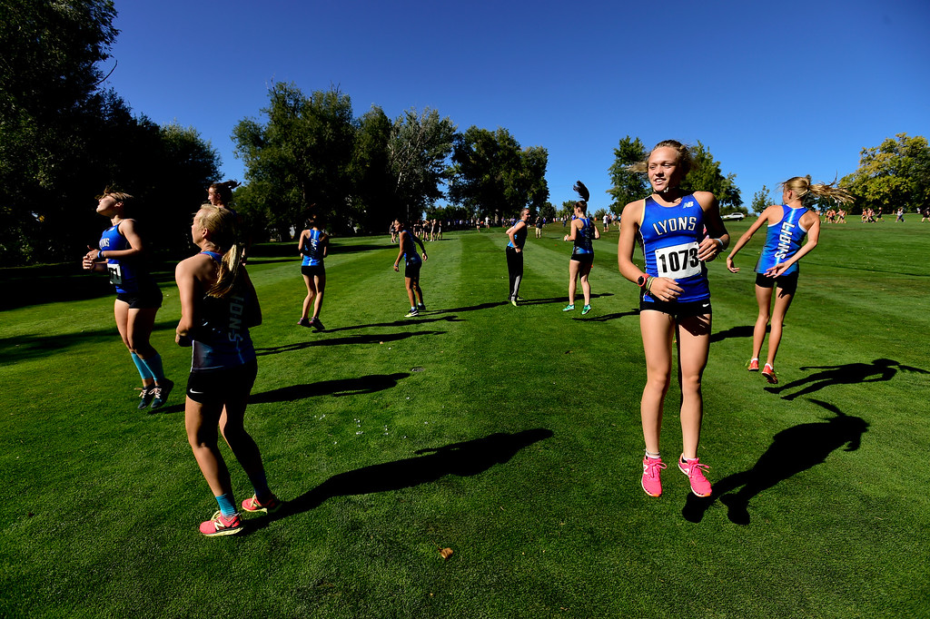 . LONGMONT, CO - SEPTEMBER 12: Lyons High School\'s cross country team prepares for the race in the RE1J District Meet at Sunset Golf Course in Longmont on Sept. 12, 2018.  (Photo by Matthew Jonas/Staff Photographer)