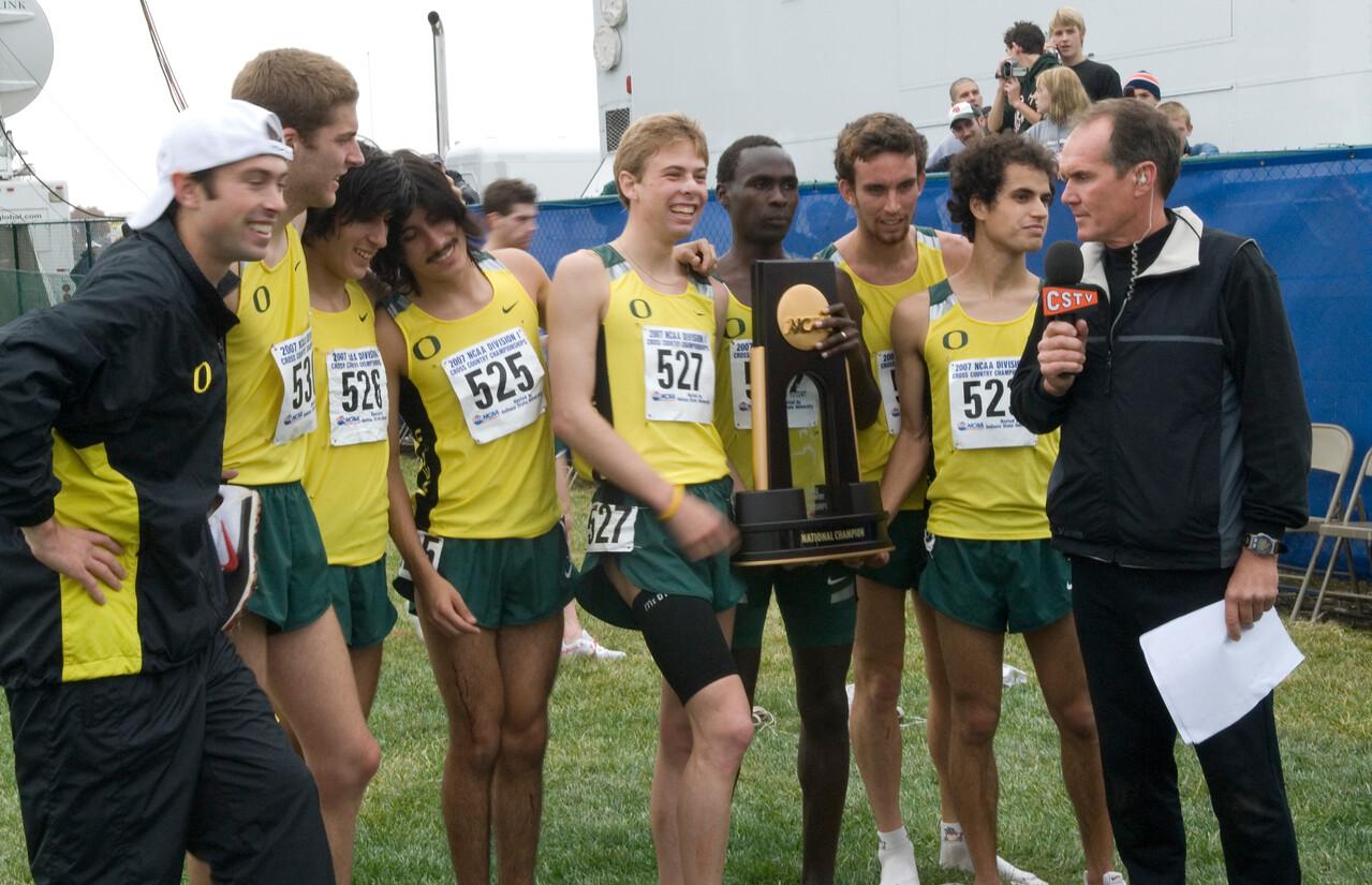 Oregon men's team takes title