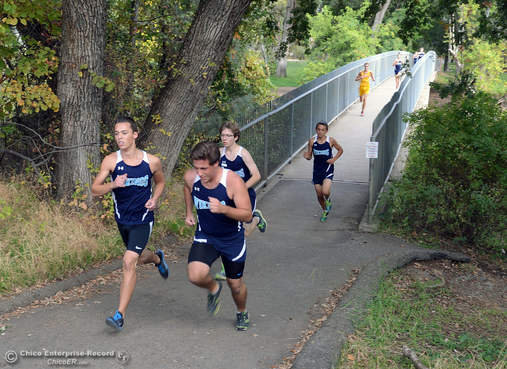 . Chico High against Pleasant Valley High varsity boys cross country race at Hooker Oak Wednesday, October 2, 2013, in Chico, Calif.  (Jason Halley/Chico Enterprise-Record)