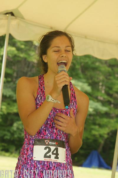 IMG4_44835 Lilah singing dppa