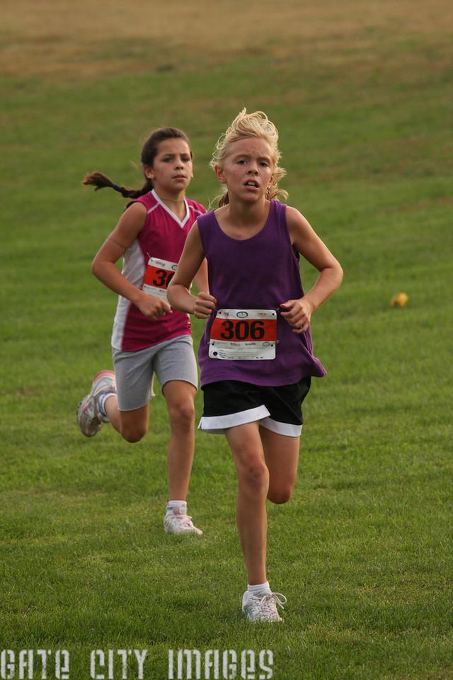 IMG4_21207 Katie, Kendra XC Practice Race 2