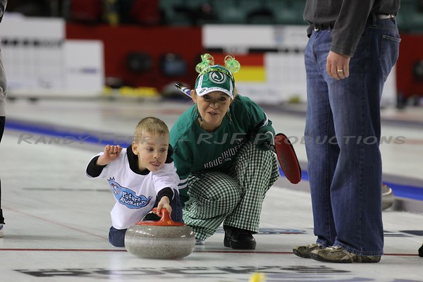 2013-11-16 Curling - Youth & Kids
