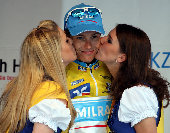 General classification leader Linus Gerdemann (Milram) is enjoying the kisses of the podium girls.