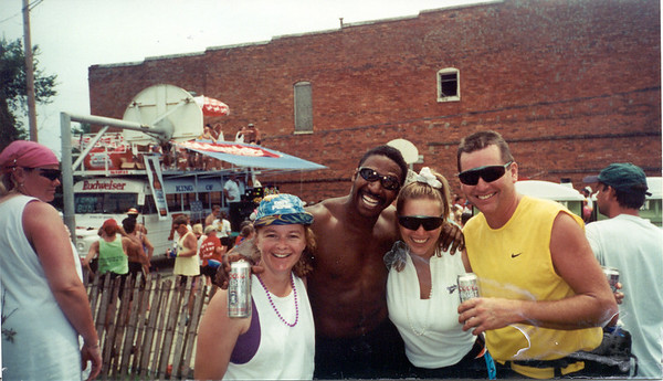1998-7-21 26 Boxholm Party -  Ragbrai XXVI