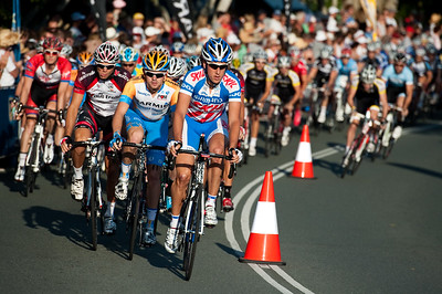 Post-start: Noosa Men's Cycling Grand Prix, 2010. Noosa Triathlon Multi Sport Festival, 30 October, Sunshine Coast, Queensland, Australia.