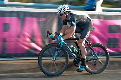 Chris Sutton - Noosa Men's Cycling Grand Prix, 2010. Noosa Triathlon Multi Sport Festival, 30 October, Sunshine Coast, Queensland, Australia.