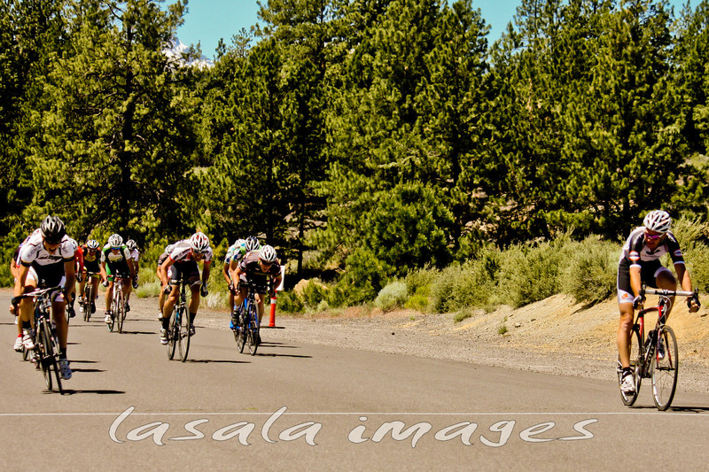 Hans Bielat outsprints Tucker Eurman, Doug LaPlaca and the rest of the field to take the win.