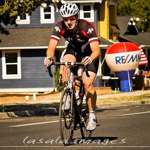Cameron Carrick won the junior race with a big final sprint.