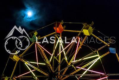 Full moon Ferris wheel