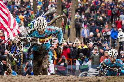 Sven Nys (Belgium) and Klaas Vantornout (Belgium) on the run-up