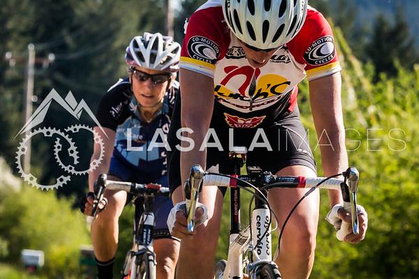 Kristina Hughes (Hutch's-Slocum-Co-Motion) and Susanna Julber (Bend Memorial Clinic Total Care Racing Team).