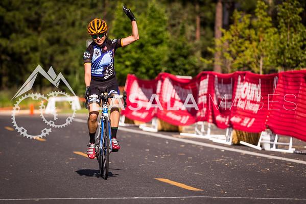 Patricia Strange win's the women's race in a solo breakaway.