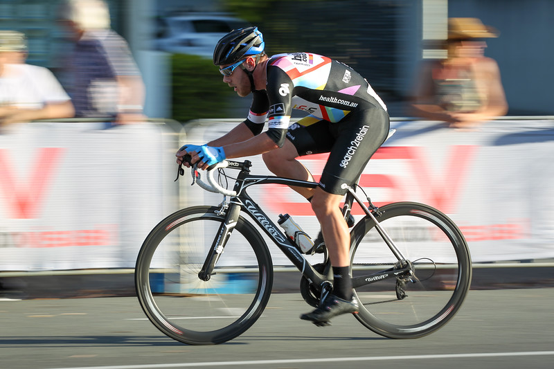 "2014 SUBARU Australian Open Criterium Men - 2014 Super Saturday at the Noosa Triathlon Multi Sport Festival, Noosa Heads, Sunshine Coast, Queensland, Australia. Camera 2. Photos by Des Thureson - <a href=""http://disci.smugmug.com"">http://disci.smugmug.com</a> - Camera 2."