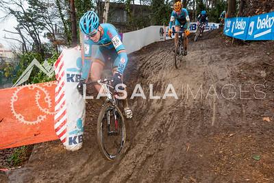 Florian Vermeersch BEL descends during the men's junior race at the 2016 Cyclo-cross World Championships on January 30, in Zolder, Belgium. Photo: Matthew Lasala/Lasala Images