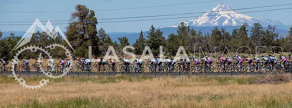 The peloton during stage 1 of the women's road race at the 2016 Cascade Cycling Classic on July 20, in Bend, USA. Photo: Matthew Lasala/Lasala Images