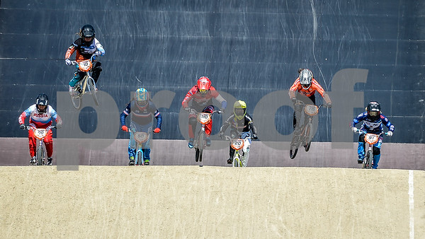 08-05-2016: Wielrennen: UCI BMX Supercross World Cup: Papendal  Yaroslava BONDARENKO from Russia, Shealen RENO from the USA, Laura SMULDERS from the Netherlands, Estefany GOMEZ ECHEVERRY from Columbia, Merel SMULDERS from the Netherlands, and Elke VANHOOF from Belgium  Copyright Orange Pictures / Andy Astfalck