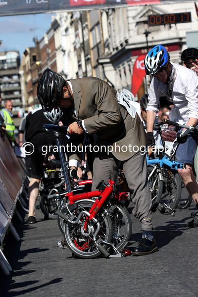 IG London Nocturne - Time Out Folding Bike Race