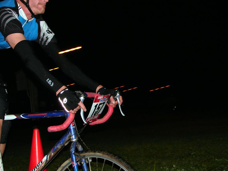 Is that PINK handle bar tape...awww Luc its pretty :)