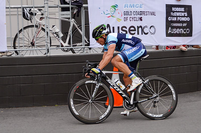 Robbie McEwen - Criterium, Elite Men A - Gold Coast Festival of Cycling; Carrara, Gold Coast, Queensland, Australia; 28 September 2013. Camera 1. Photos by Des Thureson - http://disci.smugmug.com.