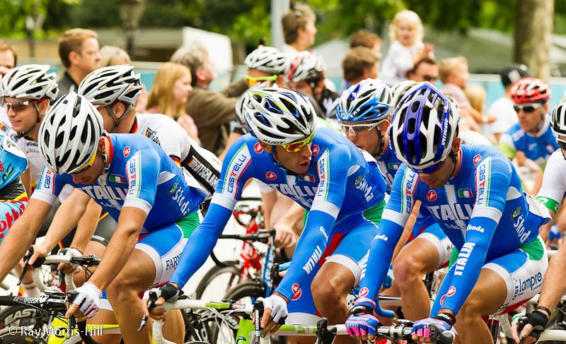 The Italian Team at the start.