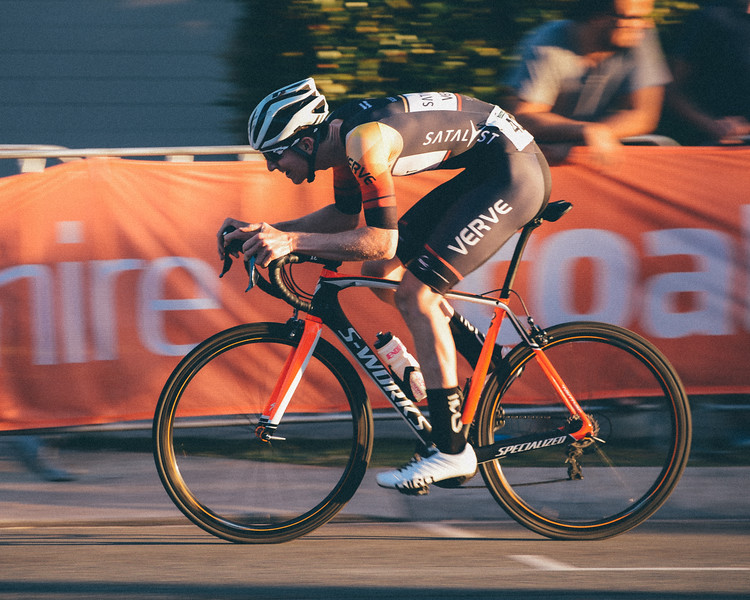 "VSCO Film Preset: ""N - Kodak Gold 100 +++"" - Speed Blur - Panning the camera with a slow shutter speed - SUBARU Australian Open Criterium - Men - Cycling - Super Saturday at the Noosa Triathlon Multi Sport Festival, Noosa Heads, Sunshine Coast, Queensland, Australia. Saturday 29 October 2016. - Camera 2"