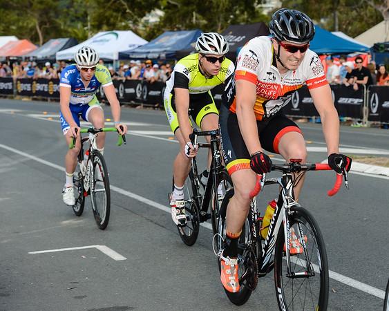 2012 Subaru Men's Cycling Grand Prix Criterium; Noosa Heads, Sunshine Coast, Queensland, Australia; 03 November 2012. Photo: Des Thureson. Camera 1.