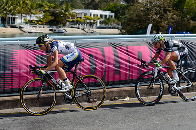 2012 Subaru Women's Cycling Grand Prix Criterium; Noosa Heads, Sunshine Coast, Queensland, Australia; 03 November 2012. Photo: Des Thureson. Camera 1.