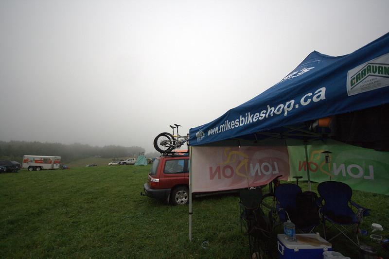 mmmmm grey cold foggy morning...superMotivating!
