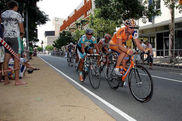 Graeme Brown, Allan Davis - South Bank Grand Prix Cycling Criterium, 3-12-2006
