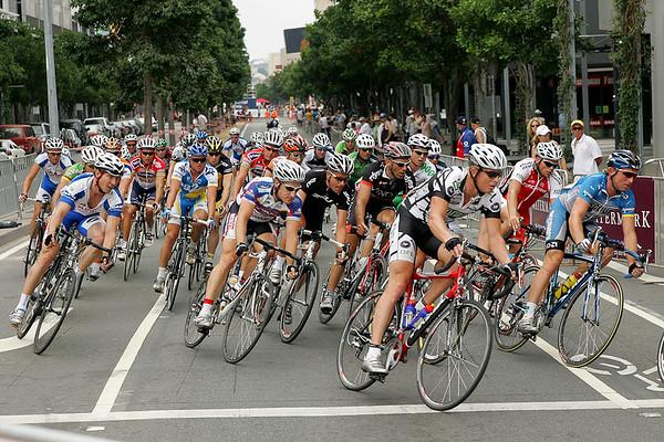 Matt White, Simon Gerrans, Cameron Rogers - South Bank Grand Prix Cycling Criterium, 3-12-2006