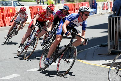 South Bank Cycling Criterium, Brisbane, Queensland, Australia; 4 December 2005. Photos by Des Thureson.