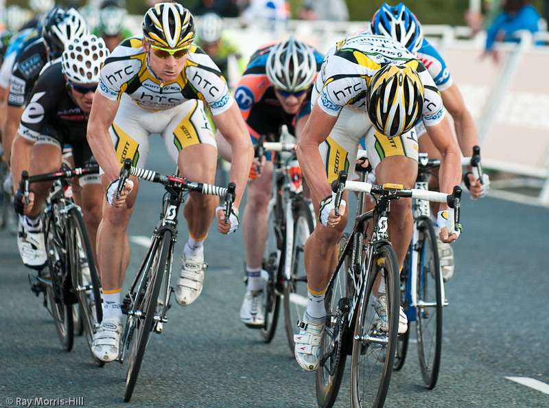 Mark Renshaw (right) leads out the stage winner Andre Greipel (left) for HTC.