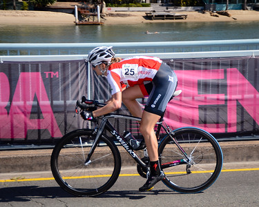 Loren ROWNEY - Subaru Women's Australian Open Criterium (Cycling) - 2013 Super Saturday at the Noosa Triathlon Multi Sport Festival, Noosa Heads, Sunshine Coast, Queensland, Australia. Camera 1. Photos by Des Thureson - http://disci.smugmug.com