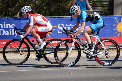 Megan DUNN, Jasmin HURIKINO - Subaru Women's Australian Open Criterium (Cycling) - 2013 Super Saturday at the Noosa Triathlon Multi Sport Festival, Noosa Heads, Sunshine Coast, Queensland, Australia. Camera 1. Photos by Des Thureson - http://disci.smugmug.com