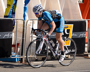 Subaru Women's Australian Open Criterium (Cycling) - 2013 Super Saturday at the Noosa Triathlon Multi Sport Festival, Noosa Heads, Sunshine Coast, Queensland, Australia. Camera 1. Photos by Des Thureson - http://disci.smugmug.com