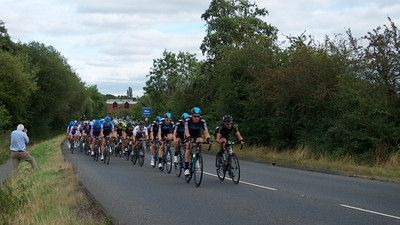 Gill too this one of the peleton. That's me by the side of the road with my camera.