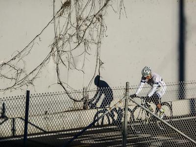 Cycling on Santa Ana River-1000534