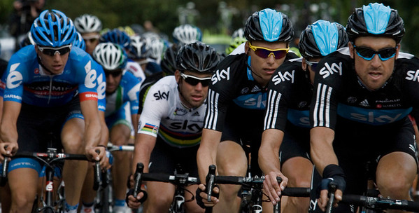 The Sky team protect their sprinter, Mark Cavendish in the rainbow jersey of the World Sprint Champion.