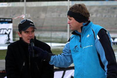 Frank Jäger interviewt Organisator Christopher Schwerdt (VfR Herpersdorf).