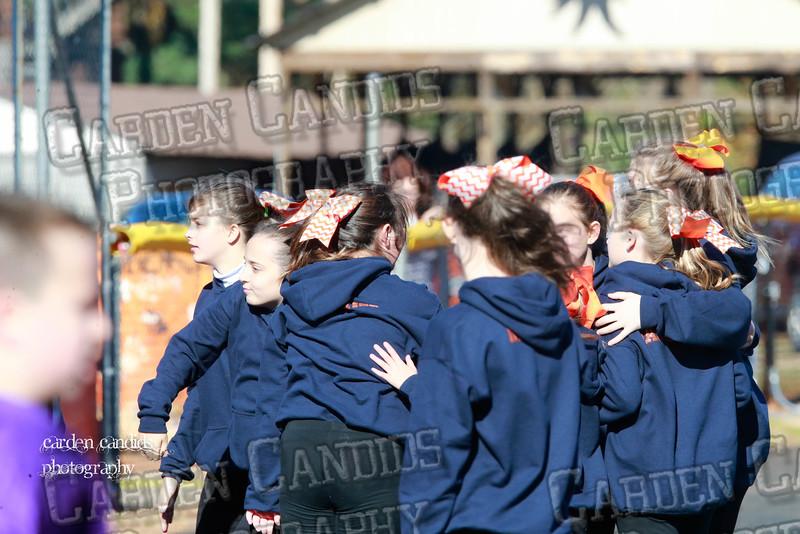 6th Grade Cheerleaders 11-21-15-050
