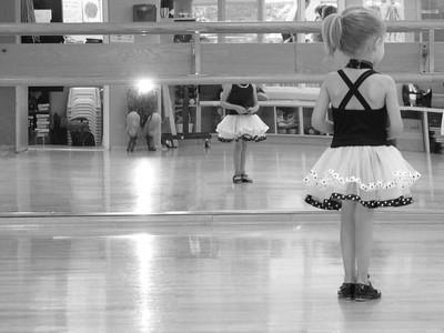 Dona & Liza 2011 06 at First Dance Class 61 bw
