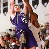 12-6-13<br /> Western vs. Northwestern HS basketball<br /> Northwestern's Evan Matlock and Western's Mo Townsend<br /> KT photo | Kelly Lafferty