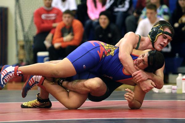 12-4-13<br /> Kokomo vs Eastern wrestling<br /> Eastern's Christian Biddle and Kokomo's Nick Fox<br /> KT photo   Kelly Lafferty