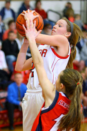 12-21-13   ---  Taylor HS vs Cass HS girls basketball<br />   KT photo | Tim Bath