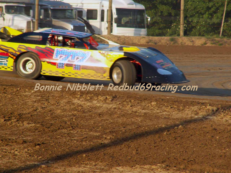 June 23, 2007 Delaware International Speedway Redbud's Pit Shots Vic Thomas # 77 Late Model