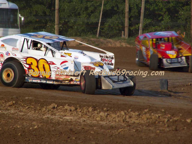 June 23, 2007 Delaware International Speedway Redbud's Pit Shots Feature Winner Jamie Mills # 30