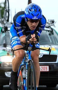 Levy Leipheimer in his extreme time trial position, August 2007.
