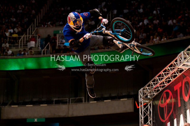 SALT LAKE CITY, UT - SEPTEMBER 20: Kevin Robinson competes in the finals of the BMX VERT at the 2009 Dew Tour Toyota Challenge September 20, 2009 in Salt Lake City, Utah.