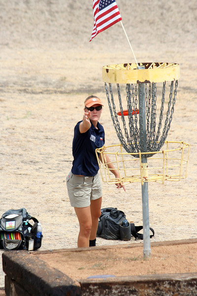 Sarah Stanhope putts on hole 13B at the 2011 US Womens Disc Golf Championship in Round Rock Texas