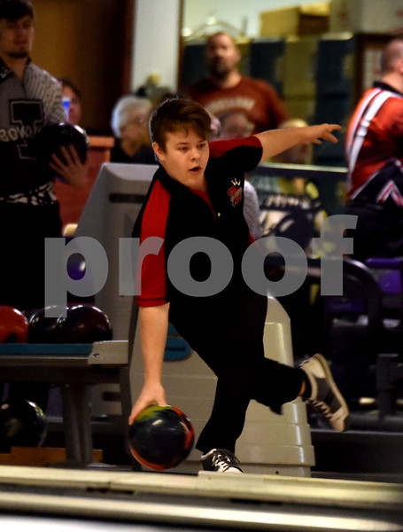 -Messenger photo by Britt Kudla<br /> Kaleb Anderson of Fort Dodge bowl during Class 2A Districts on Tuesday at Ridgewood Lanes